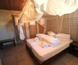Namibia_Okaukuejo-Camp_IMG_1728-double-room-b-haape-20111-270x225[1]