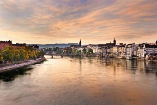 Morgenstimmung am Rhein in Basel - © Basel Tourismus
