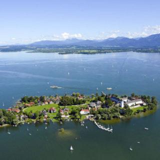 Blick auf Frauenchiemsee - - Chiemsee-Alpenland Tourismus