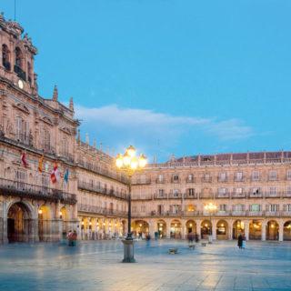 Plaza Major in Salamanca - Turespaña - © TurespaÒa