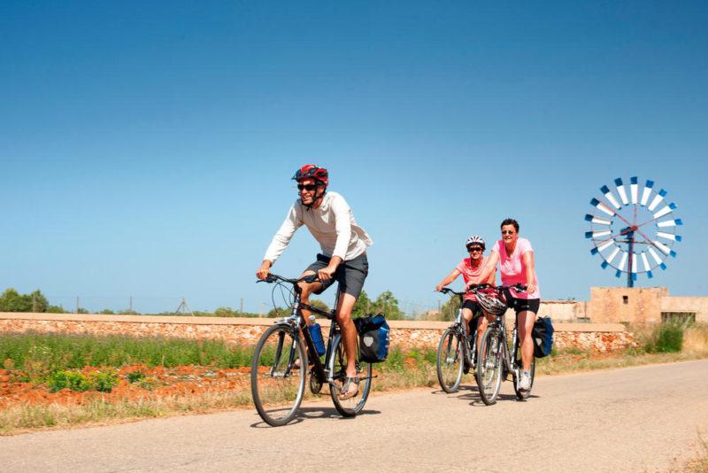 Radfahrer/Radgruppe auf Mallorca - Klaus Hoffmann