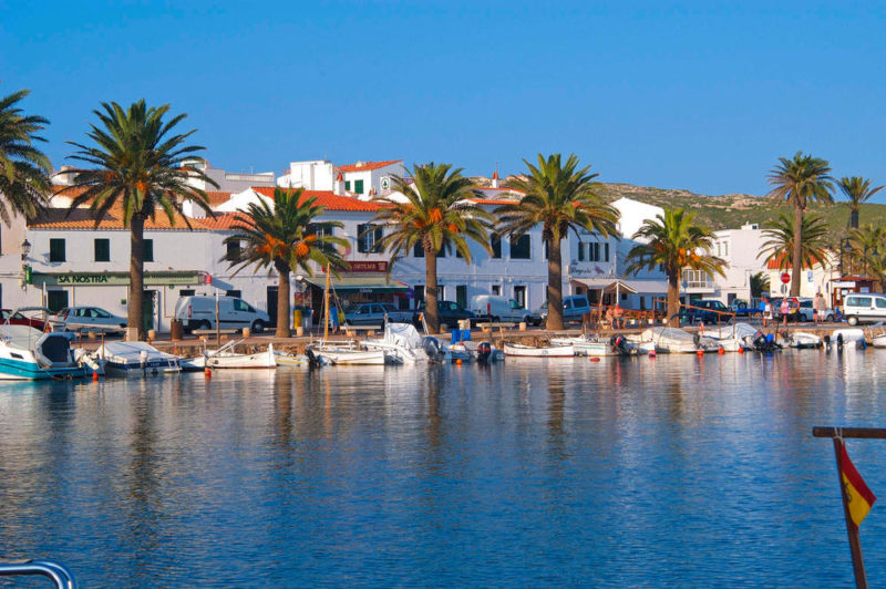 Der kleine Fischerort Fornells - Fundació Foment del Turisme de Menorca - © Fundació Foment del Turisme de Menorca