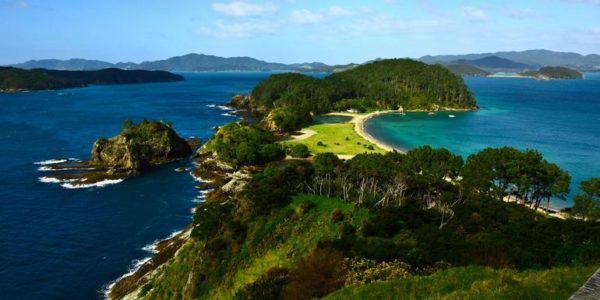 18-to-Thirtysomethings-New-Zealand-The-Bay-of-Islands