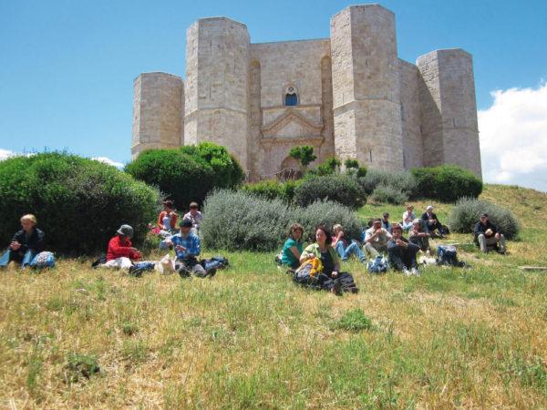 Picknick am Castel del Monte - Renata Canestrari
