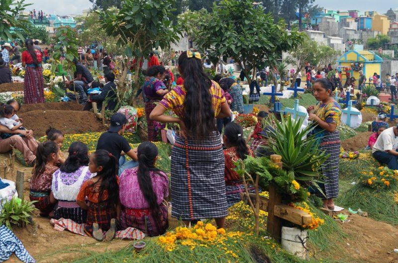 Feierlichkeiten zum Dia de los Muertos (Allerheiligen)