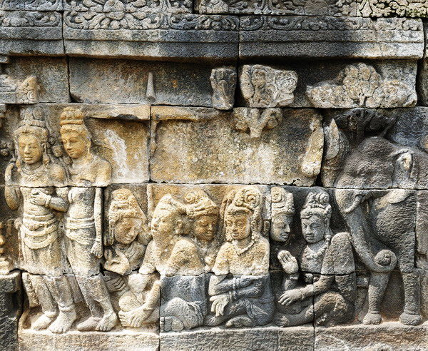 Reliefs im Borobudur Tempel