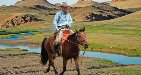 MN-Jeep-Pferd-Kamel-Mongolei-erleben-1