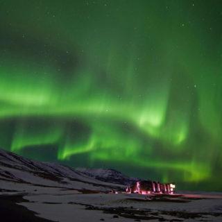Tanzende Nordlichter über unserem Hotel - Rainer Ax