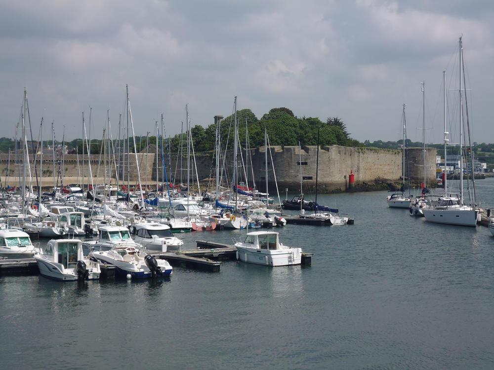 Yachthafen und Ville Close von Concarneau - Ingrid Preuschoff