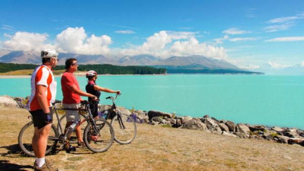 Lake Pukaki mit Blick auf den Mt. Cook - Nature Trailz