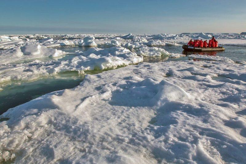 Zodiacausflug im Eis