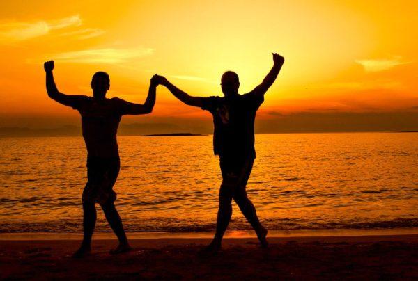 Tänzchen am Strand