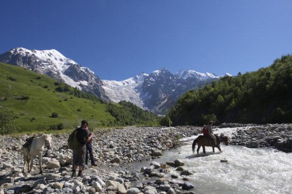 In den Bergen Georgiens - Darek Wylezol