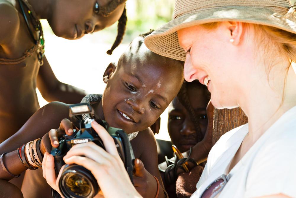 Begegnung mit den Himbas - Paul Sutton