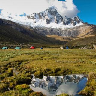 Wikinger-Lager Taullipampa auf 4.200 m während des Santa Cruz-Treks - Claudia Nolte