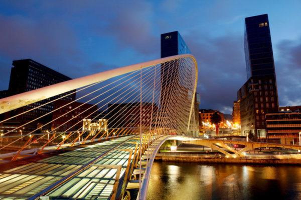 nächtliches Bilbao - Turespaña - © Turespaña