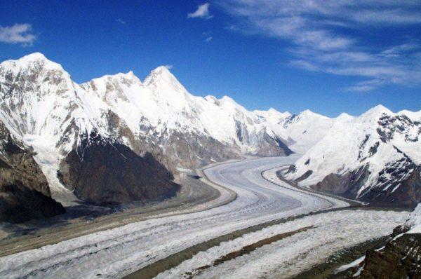 Inyltschek-Gletscher mit Khan Tengri