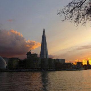 """Abendstimmung an der Themse mit Blick auf """"The Shard"""" - Oliver Herrmann"""