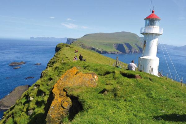 Wanderung zum Leuchtturm auf der Insel Mykines - Greengate Incoming