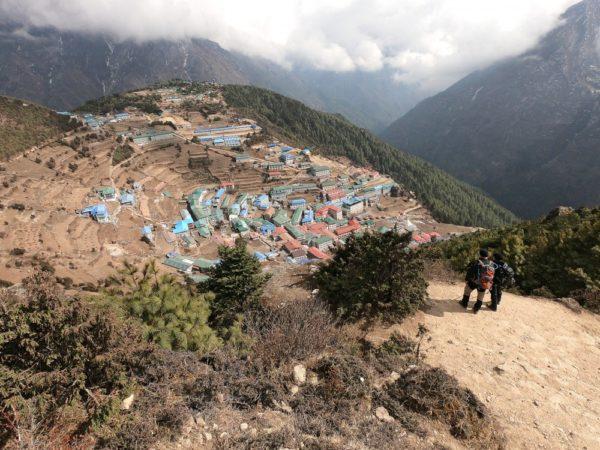 Aussichtspunkt auf die Sherpa-Stadt Namche Bazar (3440m)