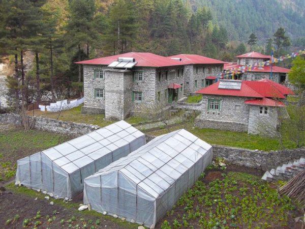 Yeti Mountain Home Phakding – Anlage – Gewächshäuser – Garten