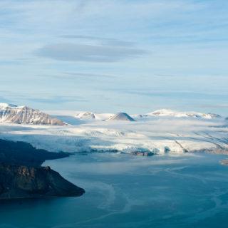 Blick vom Pyramiden-Berg zum Gletscher - Stefan Auth - © Stefan Auth