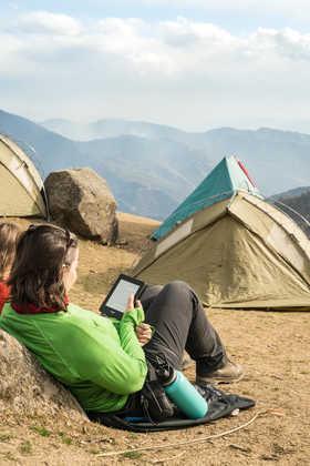 Pause beim Himalaja Trekking - Dominik Ketz