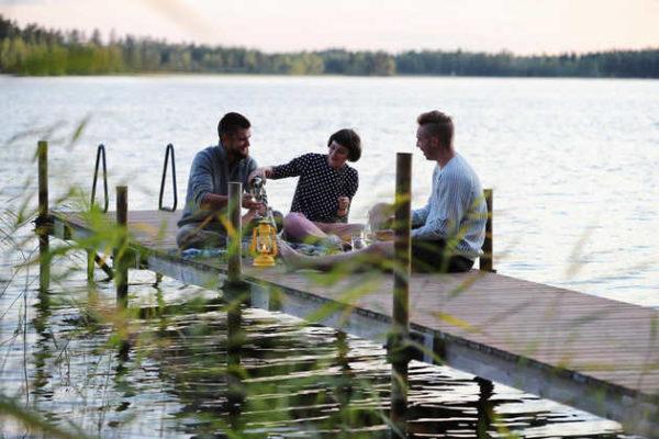 Picknick am See - Visit Finland / Harri Tarvainen