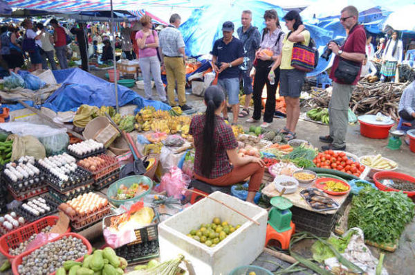 Sonntagsmarkt in Bac Ha - Frederik Schwall