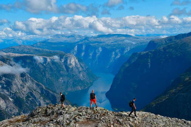 Blick auf die Fjordwelt rund um Myrkdalen - Peter Bartel