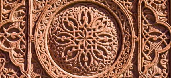 Ornamentales Steinrelief