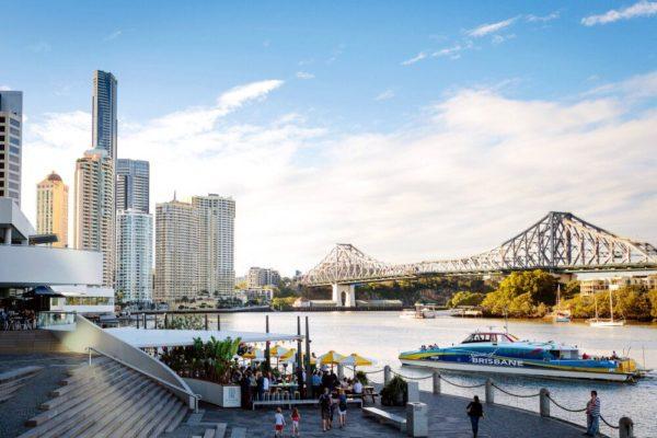 Am Eagle St Pier in Brisbane