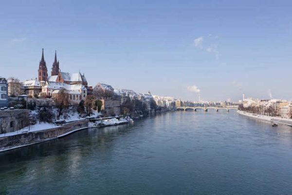 Basler Münster im Winter - © Basel Tourismus