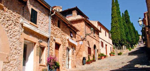 Dorf Pollenca - Claudia Ortel