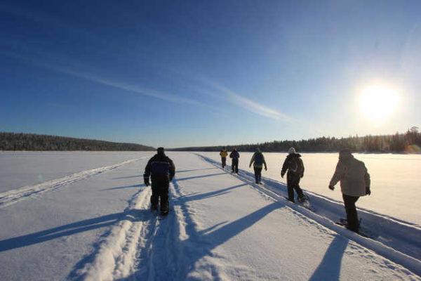 Schneeschuhwandern auf dem See - Susanne Gotthardt