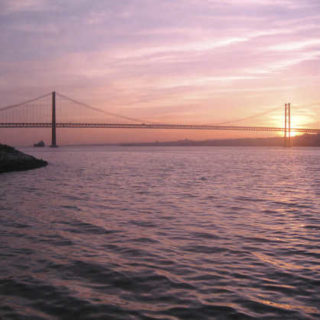 Abendstimmung an der Tejo-Brücke - Arthur Langkau - © A. Langkau