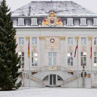 Rathaus Bonn - - © Tourismus und Congress GmbH Region Bonn