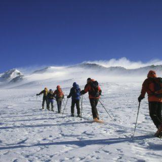 Skiaufstieg Aragats Armenien 03 2020 | Erlebnisrundreisen.de