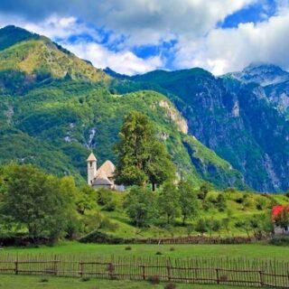 Peaks of the Balkans 8 Tage - Grenzenlos zwischen Albanien und Montenegro wandern Gruppenreise 2020/2021