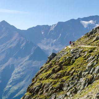 Alpenüberquerung E5 Panorama Tiefenbach Ötztaler Alpen shutterstock_1183526740 2021 | Erlebnisrundreisen.de