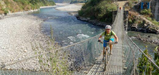 Nepal-MTB-Panorama-Hängebrücke 2021 | Erlebnisrundreisen.de