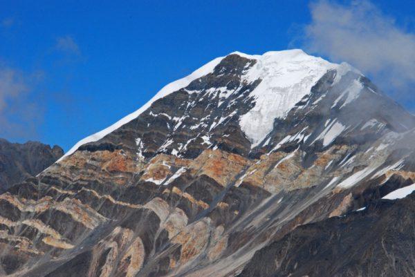 Nepal-Chulu-Far-East-Felsformation