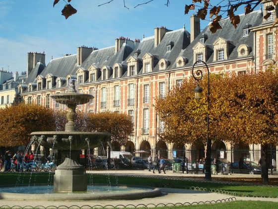 Place des Vosges in Paris - Inge Spohr