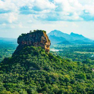 Blick auf den Felsen von Sigiriya 2021   Erlebnisrundreisen.de