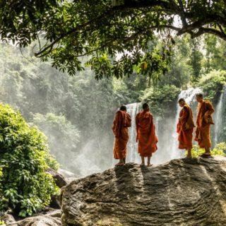 Mönche im Phnom Kulen Nationalpark 2021   Erlebnisrundreisen.de