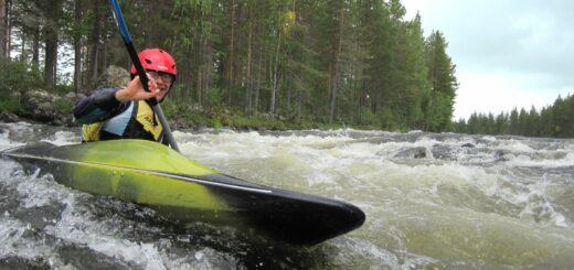 Wildwasser-Kajak Schweden Gruppenreise