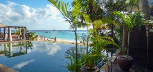 Tansania-Z-Hotel-Pool 2021   Erlebnisrundreisen.de