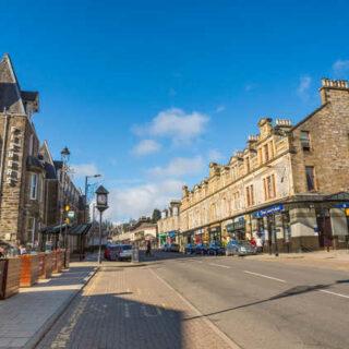 High Street in Pitlochry - VisitScotland - © VisitScotland