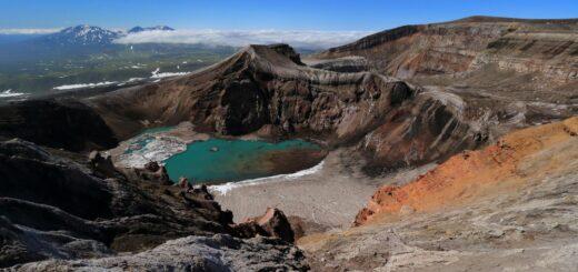 Blick auf den Kratersee des Gorely 2021 | Erlebnisrundreisen.de